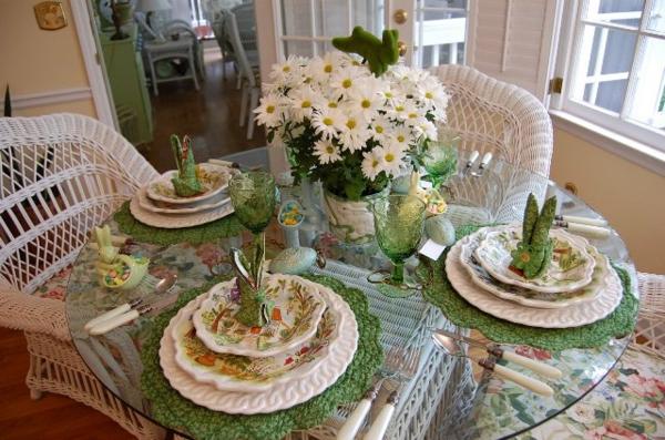 servietten-falten-tischdeko- weiß und grün