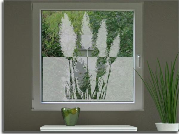 Dekoration Fur Große Fenster : quadratisches fenster mit sichtschutzfolie vier blumen figuren