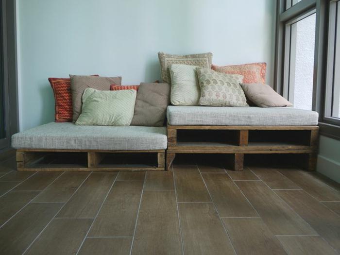 sofa-aus-paletten-gemütliches-ambiente