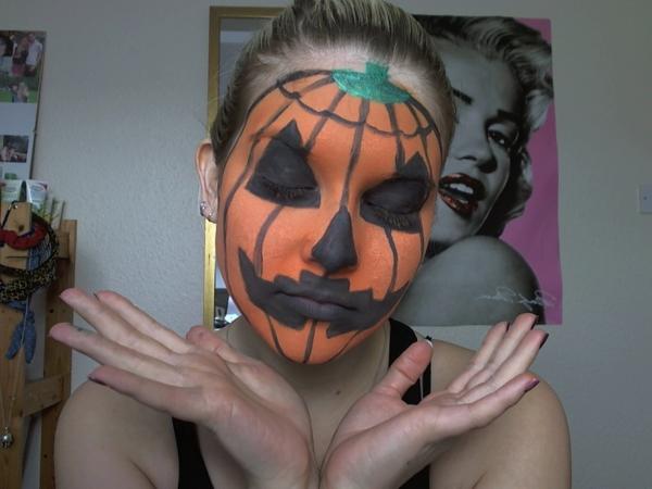 super-originelle-idee-für-halloween-schminken- wie einen kürbis aussehen