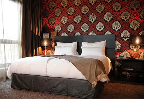 Tapeten Kombinationen Schlafzimmer : schlafzimmer wandgestaltung rot und goldenfarbe malerschablone wei?e