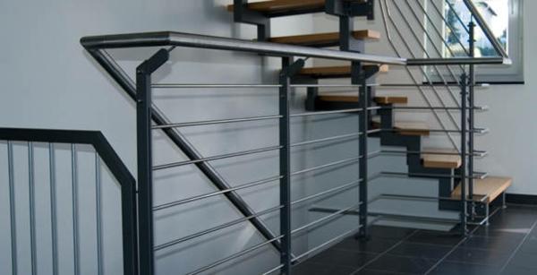 treppengeländer-aus-edelstahl- für treppen - aus stahl