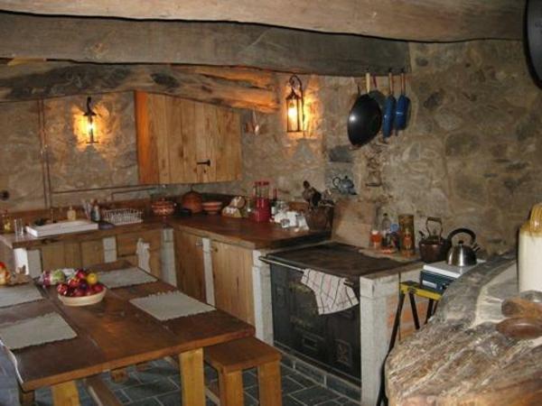 schöne wandleuchten in interessanter küche