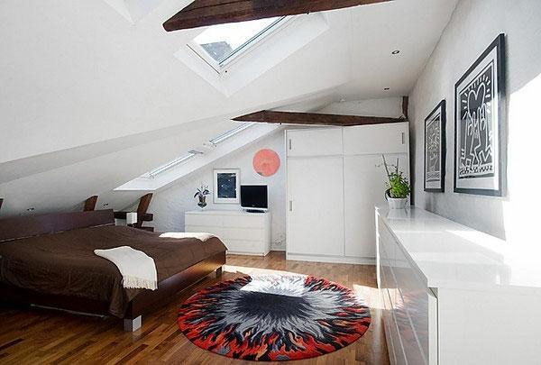 dachwohnung mit einem luxus schlafzimmer