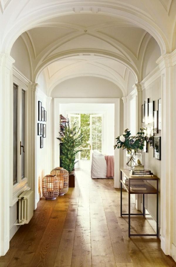 weißer-flur-moderne-wohnideen- aristokratisches aussehen