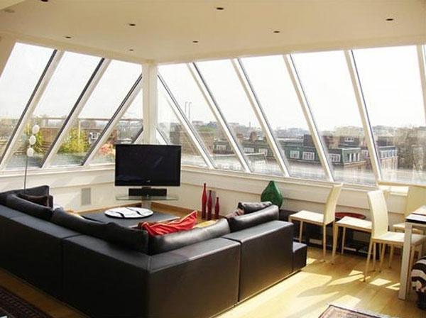 wohnzimmer-dachwohnung-ledersofa