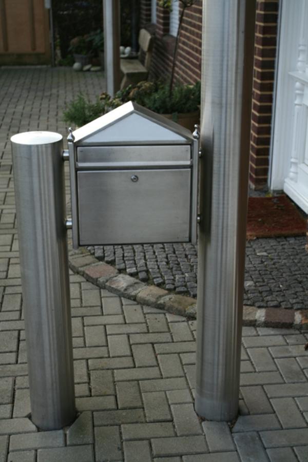 Edelstahl-Briefkasten-modern - haus interessant gestalten