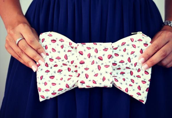 eine frau mit einer wunderschönen handtasche - selbstgemacht - dekorativ