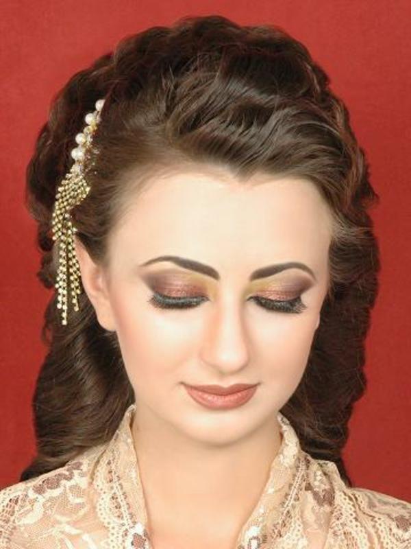 arabische-hochzeitsfrisuren-schön-aussehen-braune haare