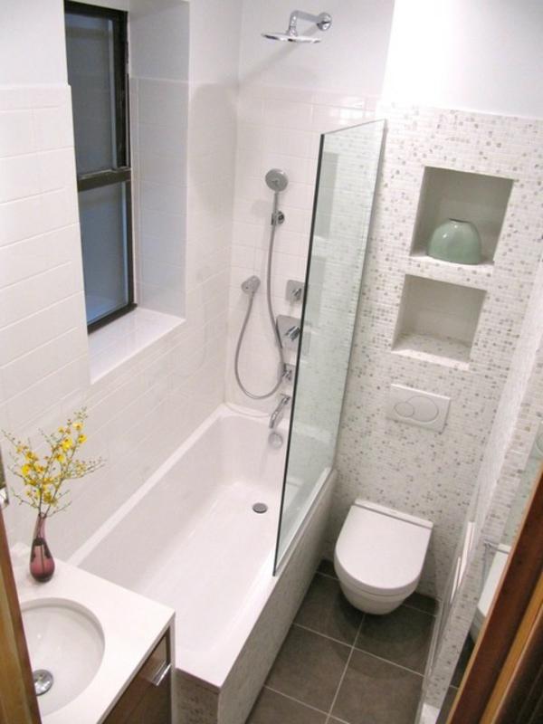 bäder-einrichten-badewanne -  gläserne wand