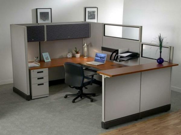 büroschreibtisch-ikea-super- lap top und ein stuhl auf rollen