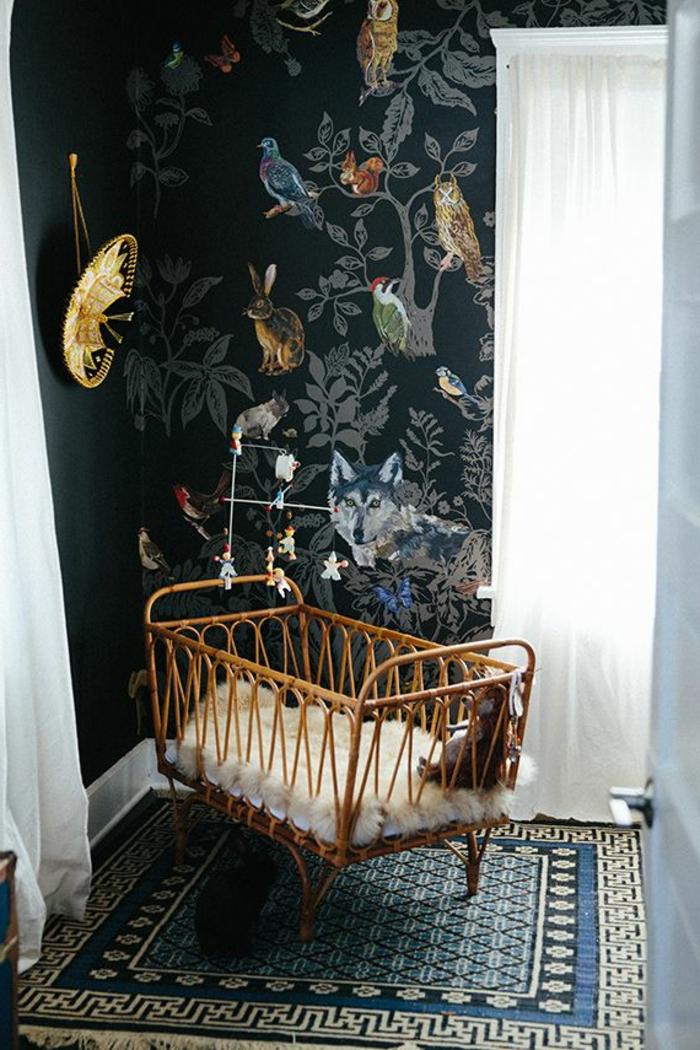 schönes bett im babyzimmer für jungs - wandtatoo und tolle deko
