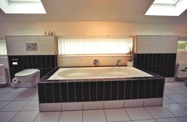 badezimmer-collstede-zetel-oldenburg-badewanne - moderne beleuchtung