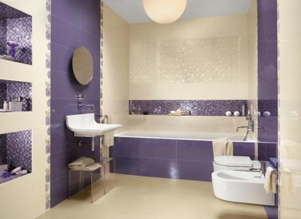badezimmer-dekoration-schöner-wohnen-badezimmer-lila-und-weiß-kombinieren - runder spiegel und eine badewanne