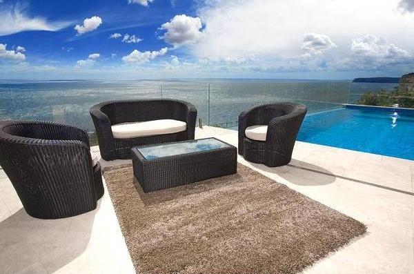 balkonboden-teppich-taupe-farbe- neben dem ozean
