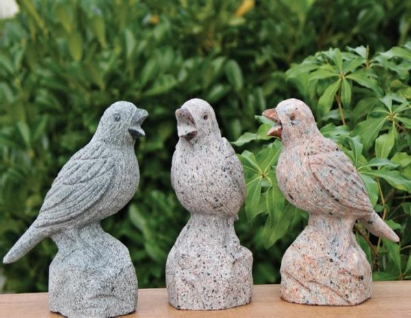 betonfiguren-selber-machen-drei-vögel - gartendekoration idee