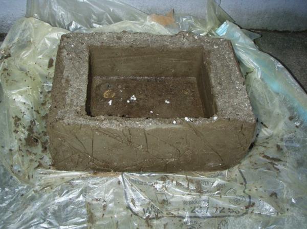 betonskulpturen-selber-machen-pokal - sich schmutzig machen