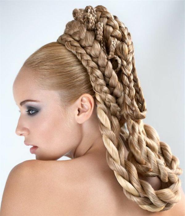 blondes-haar-türkische-brautfrisuren- mysteriöses aussehen
