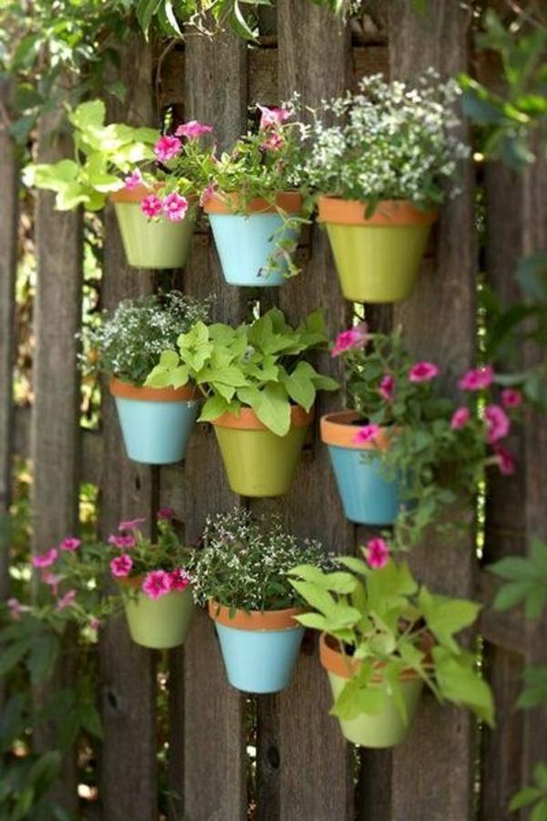blumentöpfe-selber-machen - schöne dekoration für den zaun