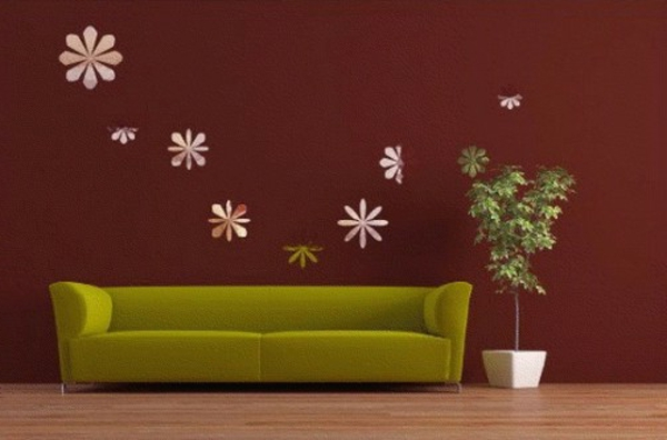 braune-wandfarbe-grünes-sofa-moderne-gestaltung