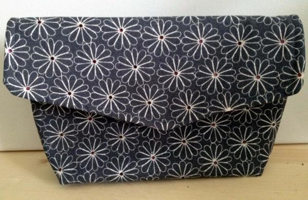 kreatives-nähen - handtasche selber nähen -graue farbe - mit blümchen