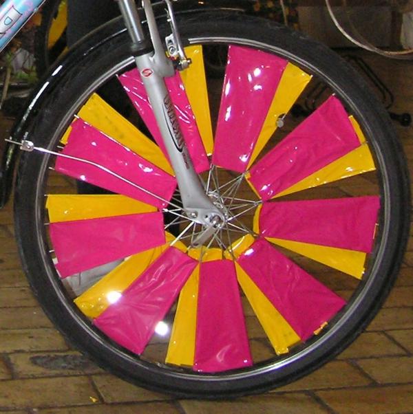 deko-rad-zyklam-orange - idee, die sehr originell ist