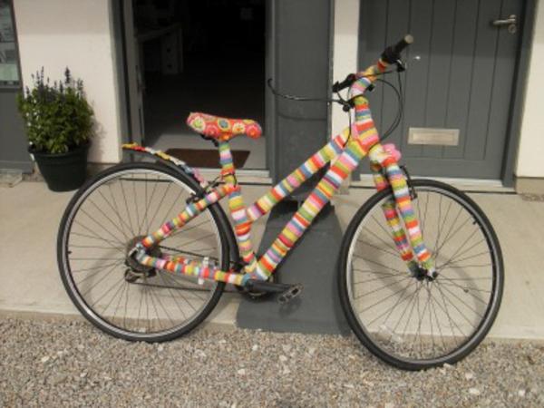 fahrrad-deko-bunte-farben - interessante idee