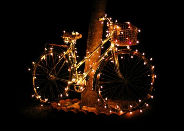 fahrrad-deko-leuchten- hintergrund in schwarz