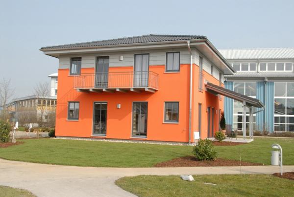fassadenfarben-konfigurator-orange-farbe - schön
