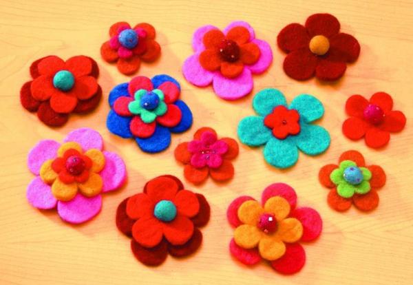 filzblumen-häkern-bunte-grelle-farben - schön