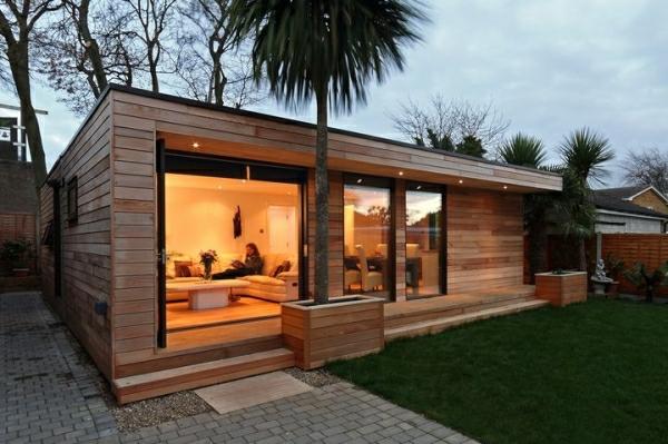 Kleine Gartenhäuser sind eine attraktive Zufügung zu Ihrem modern ...
