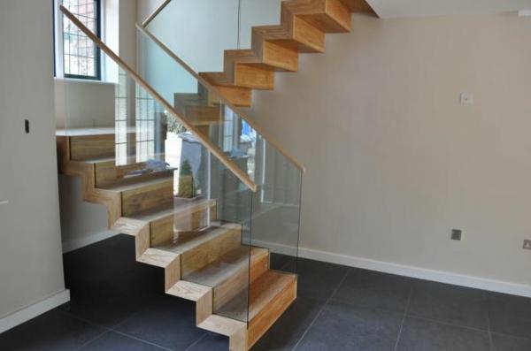 gewendelte-treppen-konstruieren-schöne-gestaltung - glas gelände