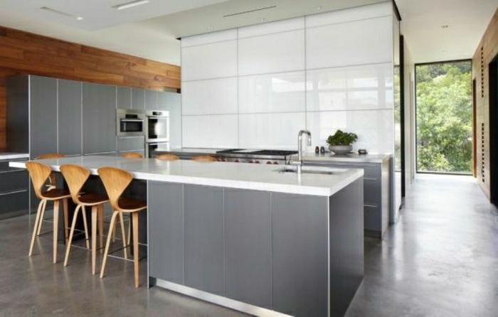 grau-wandfarbe-elegante-moderne-küche
