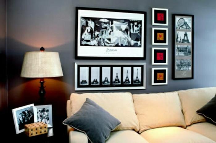 grautöne-wandfarbe-wohnzimmer-mit-bildern-an-der-wand