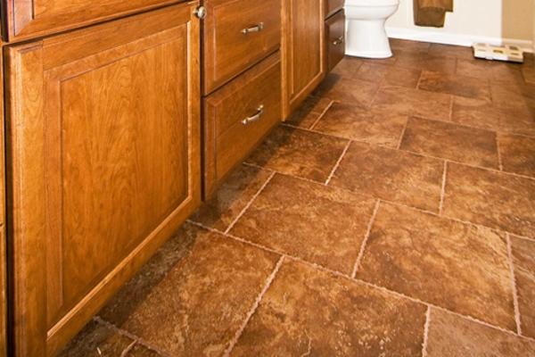 küchenboden-fliesen - gestaltung im badezimmer