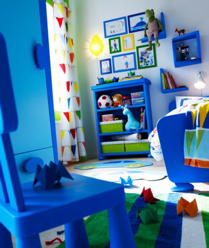 kinderzimmerideen-jungenzimmer-blaue-möbel
