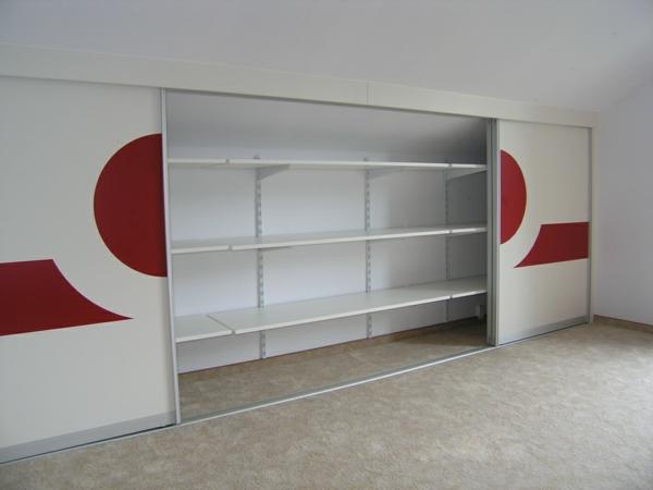 kleiderschrank-selber-bauen-schiebetüren – rote figuren als ...