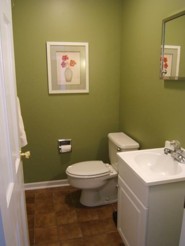 kleine-bäder-ideen-badezimmer-dekoration-bild-an-der-wand - bad ausstatten