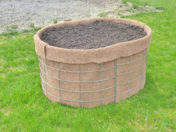 kräuterhochbeet-selber-nauen-groß - gras