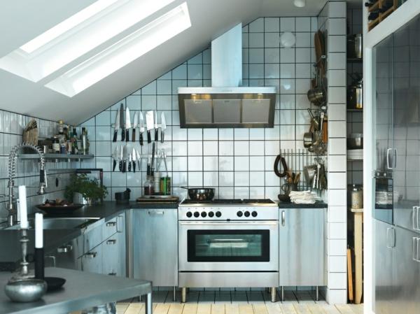 Edelstahl k che 58 elegante beispiele for Dachwohnung modern einrichten