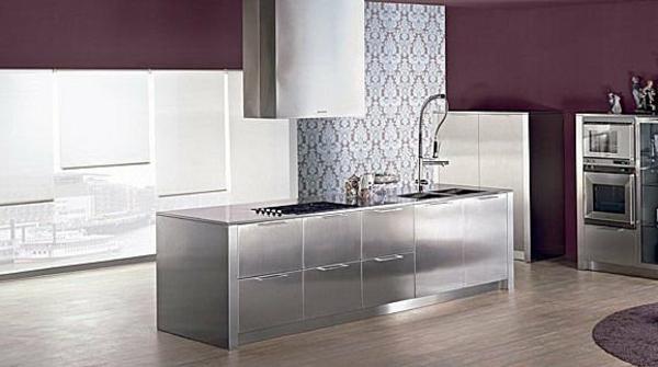 moderne-kuchen-aus-edelstahl-rückwand-kochinsel - wände in lila ...