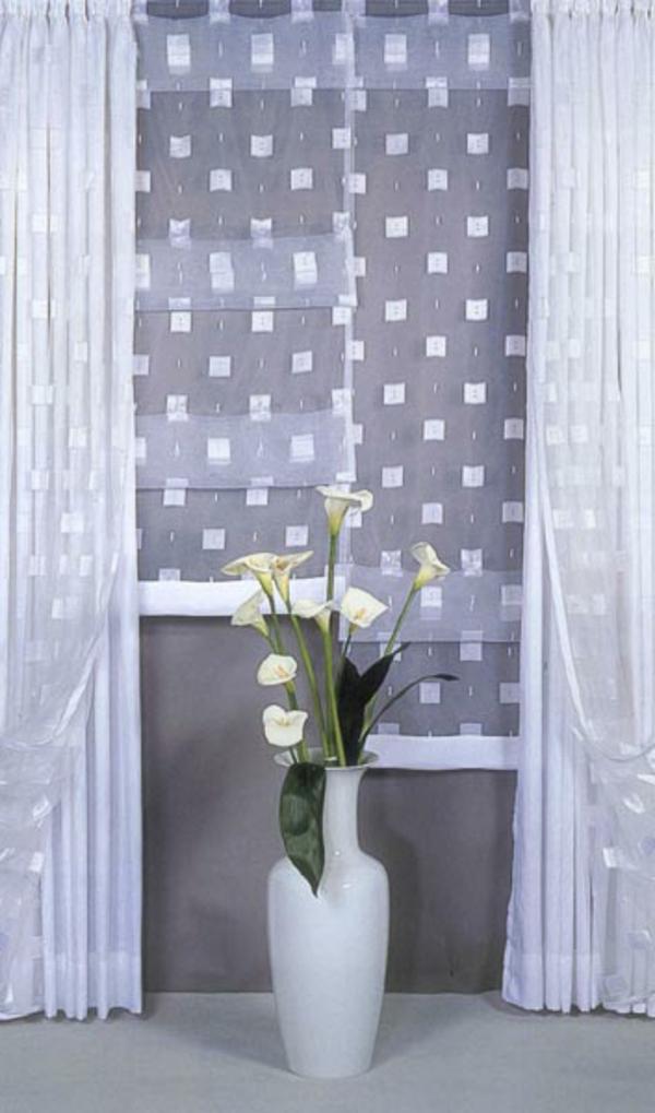 moderne-scheibengardinen-weiße-gardinen - weiße quadraten