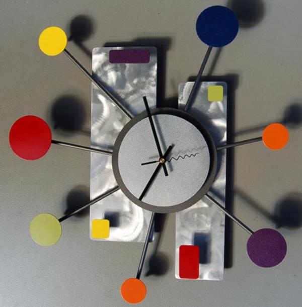Moderne Wanduhren - 27 Kreative Beispiele - Archzine.net Moderne Wohnzimmer Uhren