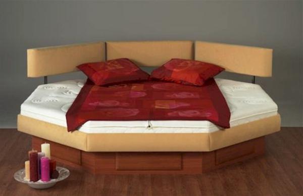 moderne-wasserbetten-rote-bettwäsche - neues modell