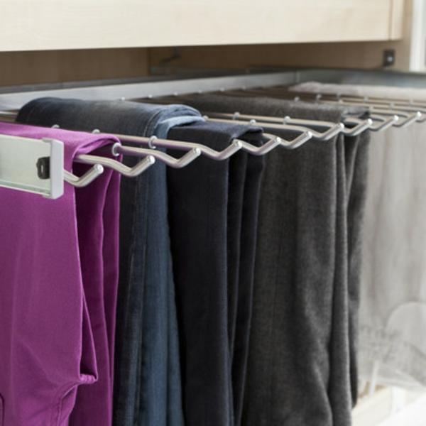 offene-kleiderschranksysteme-modern-gestaltet