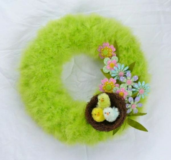 osterkranz-selber-machen-neongrüne-feder-filzblumen-deko-nest - wunderbar
