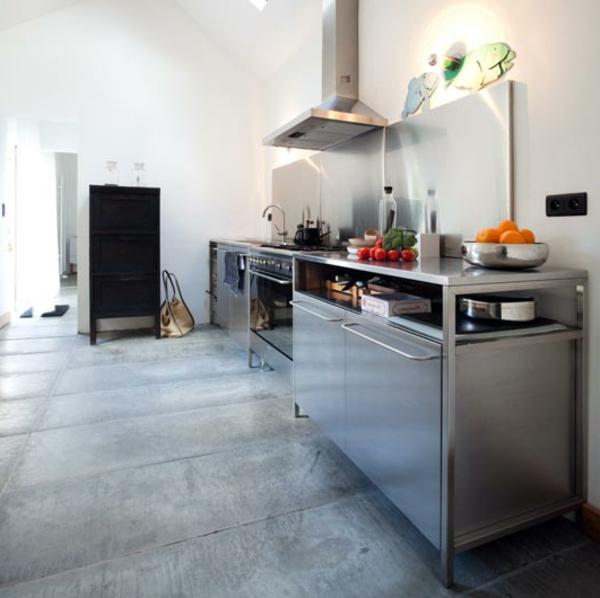 rückwand-küche-edelstahl - moderne küchenarbeitsplatte