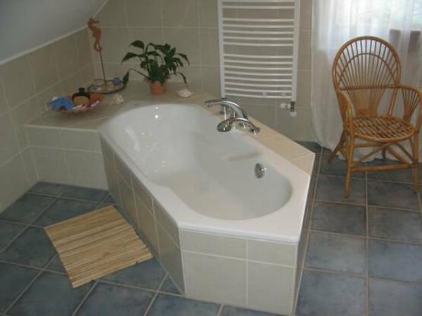 badewanne einfliesen genie en sie die sch nen vorschl ge. Black Bedroom Furniture Sets. Home Design Ideas