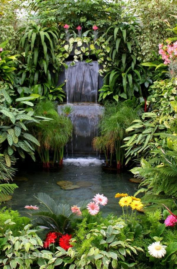 schöne-flora-im-wasserfall