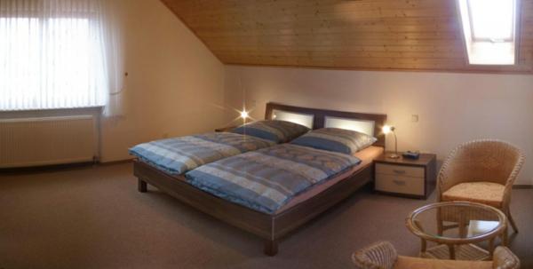wohnzimmer gardinen vorschlage raum und m beldesign inspiration. Black Bedroom Furniture Sets. Home Design Ideas